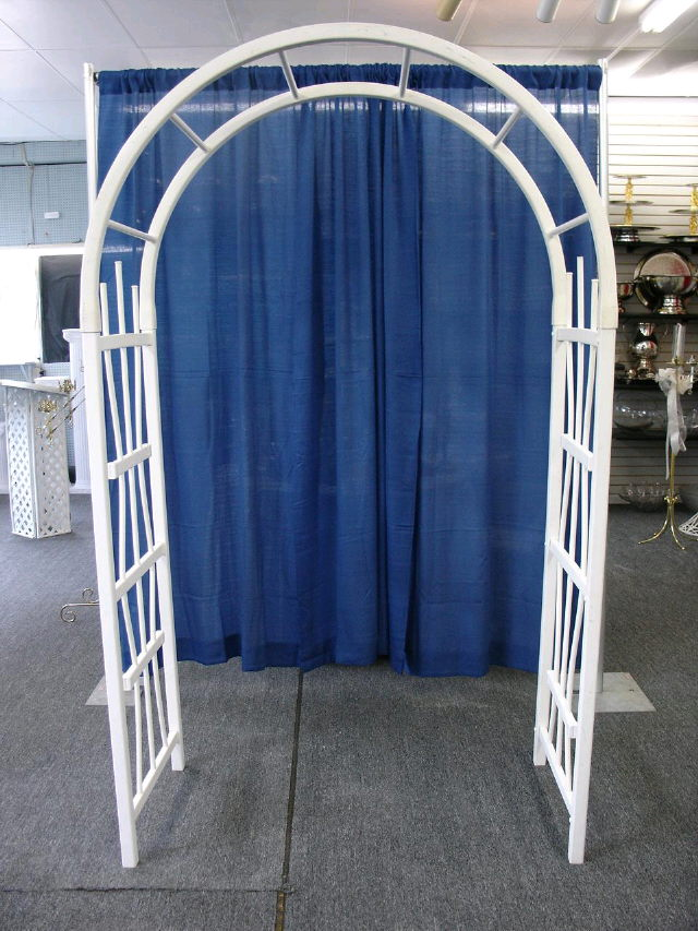 Where To Find TRELLIS WEDDING WHITE PLASTIC In Morristown